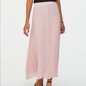 Loft szM blush pink pleated maxi skirt